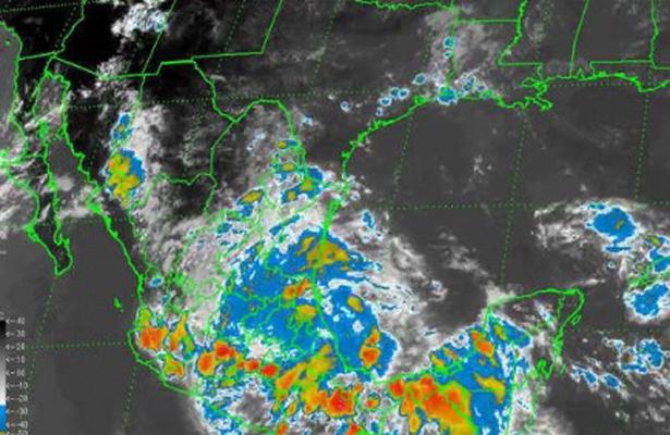 Tormenta tropical Danielle toca tierra en Veracruz y se desplaza al centro del país