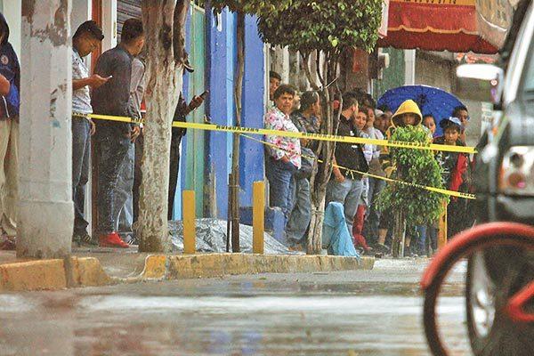Asesinan a joven en Tlalnepantla