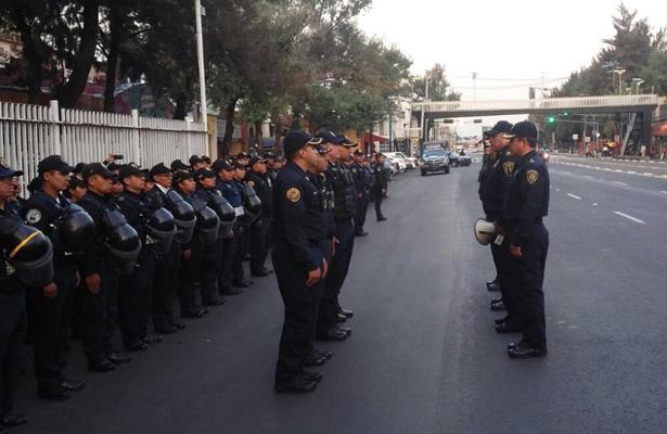 Inicia concentración de manifestantes en el Ángel de la Independencia