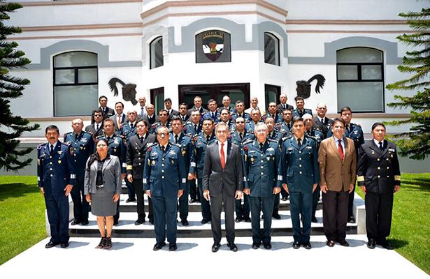 Dicta Mancera conferencia en el Colegio de Defensa Nacional