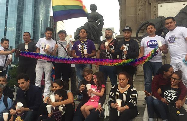 Inicia velada de la comunidad gay en México ante agresión en Orlando