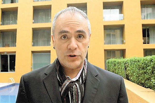 Juan Antonio Edwards pretende revivir las fotonovelas