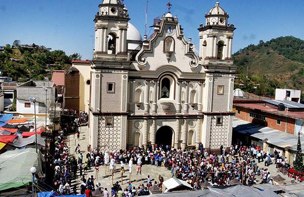 Pobladores de Santiago Yaitepec liberan la carretera de acceso a Juquila