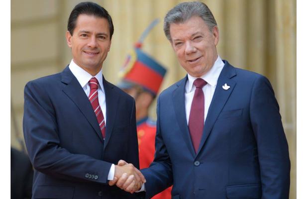Peña Nieto recibe llaves de la Ciudad de Bogotá