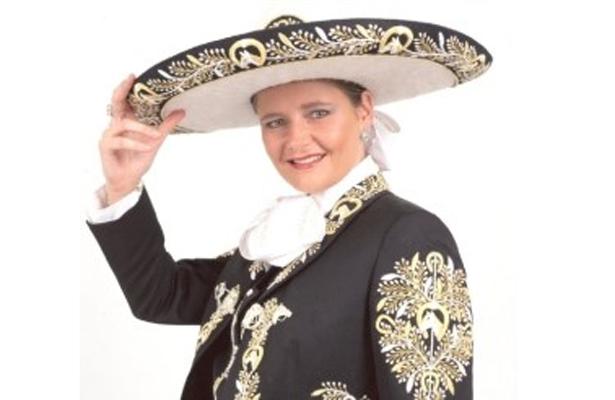 Cantante Carolina de Holanda rinde tributo a José Alfredo Jiménez e867cf56fb6
