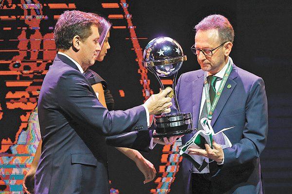 El Chapecoense recibió la Copa Sudamericana