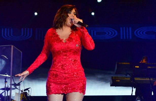 Yuridia enamora con show en Acapulco