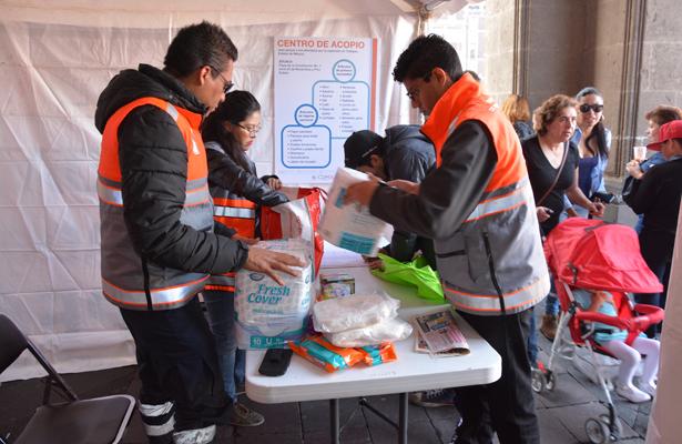 Continúa centro de acopio en apoyo a afectados por explosión en Tultepec