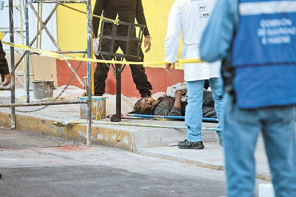 Pereció electrocutado al tocar cables de alta tensión en Coyoacán