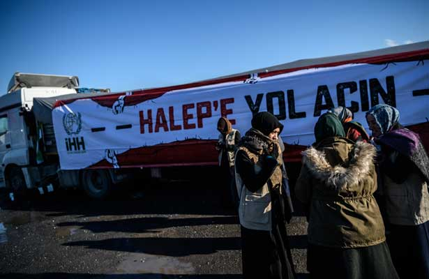 Siria suspende evacuación de civiles de Alepo