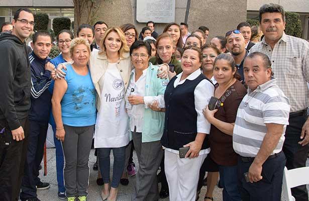 En momentos más difíciles debemos estar más unidos: Angélica Rivera De Peña