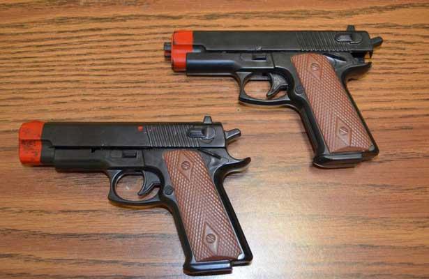 Aumentar n penas a delincuentes que usen armas de juguetes for Muebles para guardar armas de fuego