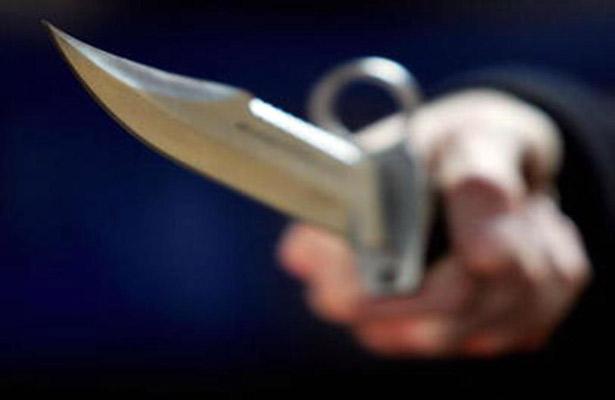 Ataca a mujer con un cuchillo en Iztacalco