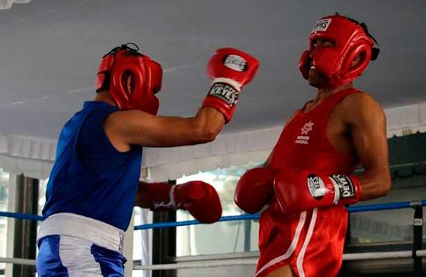 Cinturón a campeones de box amateur de la Policía Federal
