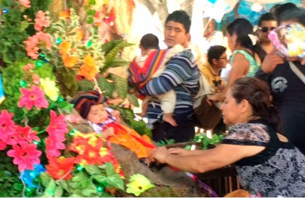 Oaxaqueños también celebran a la Virgen de Guadalupe
