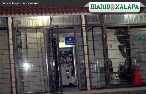 Destrozan cajero automático en centro de Veracruz