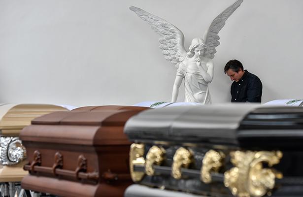 Llegan a Bolivia cuerpos de cinco tripulantes del avión del Chapecoense