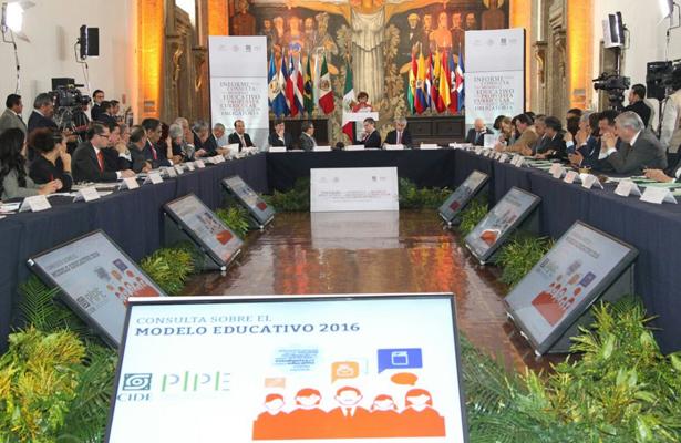 Destaca Nuño Mayer transparencia del nuevo Modelo Educativo
