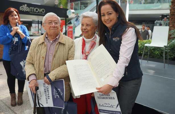 DIF Naucalpan entrega testamentos a adultos mayores