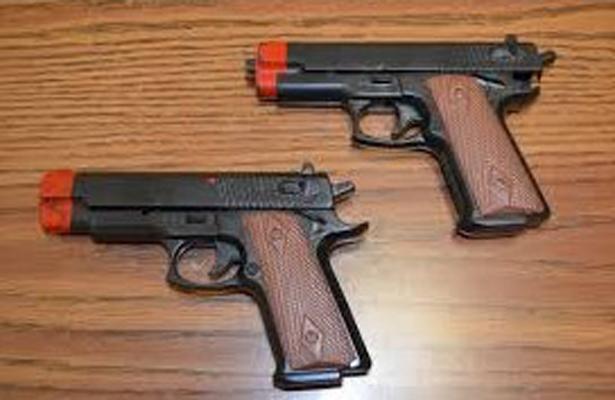 Con pistolas de juguete asaltaban a pasajeros de una colectiva