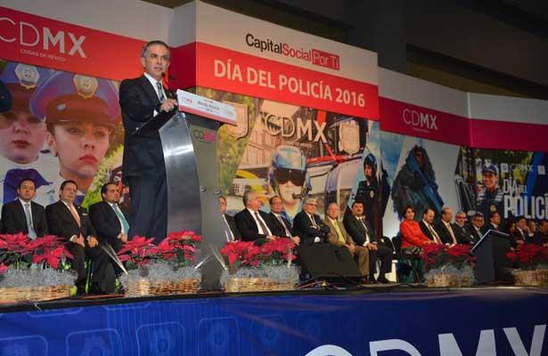 La CDMX es protegida por más de 80 mil policías: Mancera