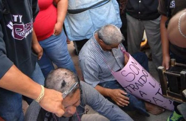 Maestros de Chiapas fueron agredidos por sus pares por resistirse al paro