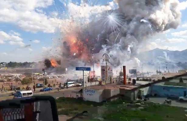 IMSS da de alta a niño lesionado por explosión en Tultepec