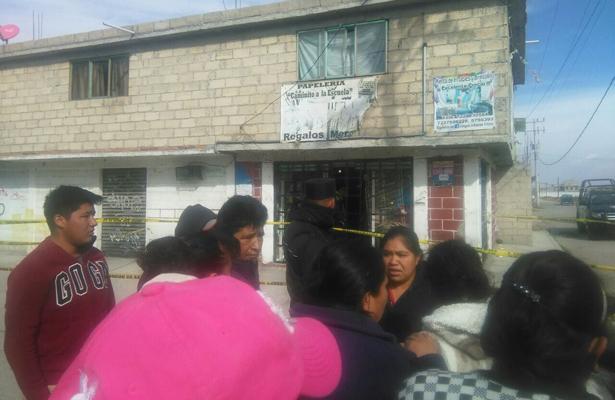 ¡Venganza! Asesinan a dueña de papelería y balearon a su sobrino, en Totoltepec
