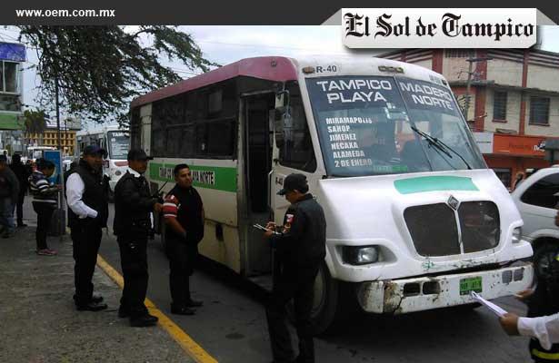 Camión de transporte público arrastra a niña de 11 años