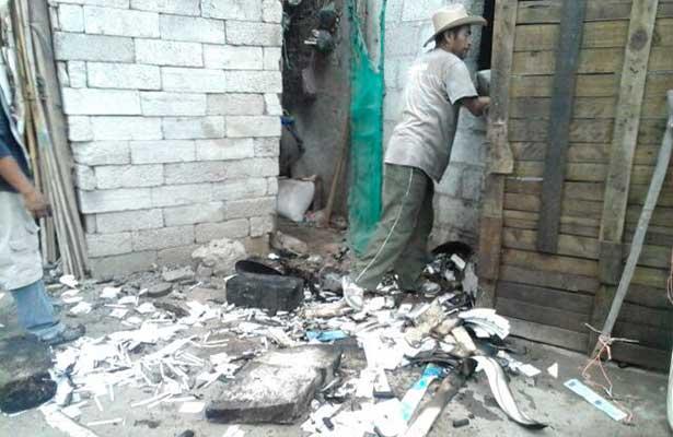 Explotó polvorín clandestino; padre e hijos, graves en Hidalgo