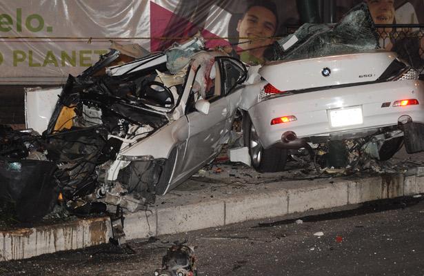 Resultado de imagen para foto El conductor del BMW que chocó contra un poste de electricidad en Paseo de la Reforma