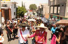 Saldo blanco en carnaval de Santiago Acahualtepec
