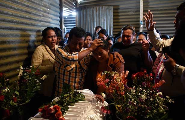 Doloroso adiós a las jóvenes calcinadas en incendio de Guatemala