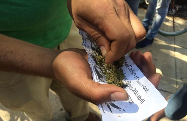 SSP-CDMX detiene a dos hombres implicados en delitos contra la salud en Iztapalapa