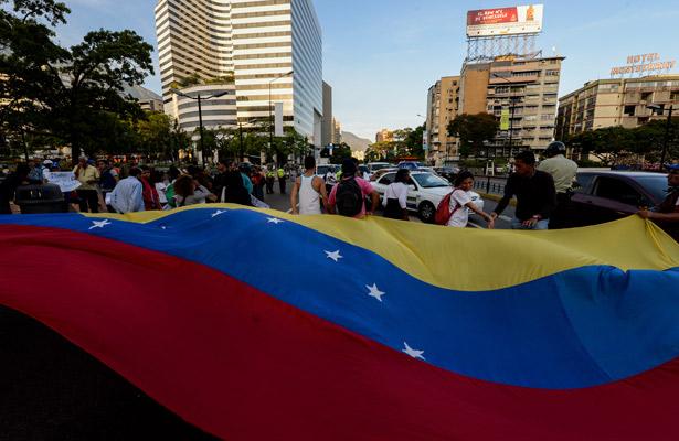 """Denuncian alcaldes opositores """"persecución"""" de Tribunal Supremo venezolano"""