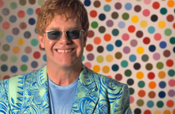Elton John agrega más conciertos a su gira del adiós