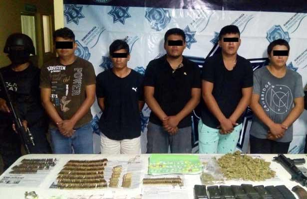 Detienen a seis en posesión de armas y droga en Zihuatanejo