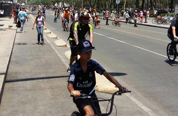Con un paseo en bici festejaron miles de infantes el día del niño