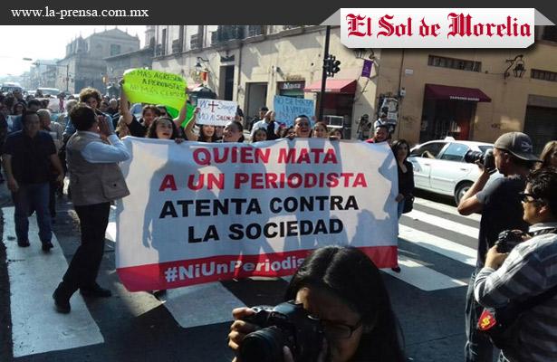 Periodistas de Michoacán marchan en repudio a asesinatos