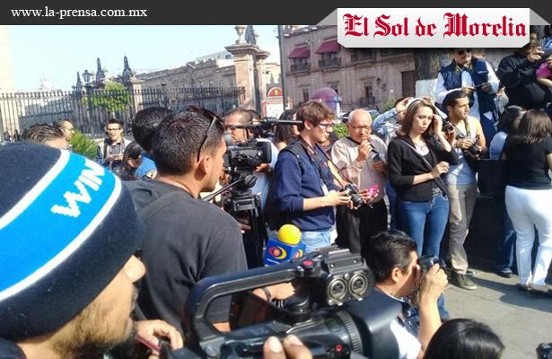 Contra agresiones a periodistas, marchan en Michoacán