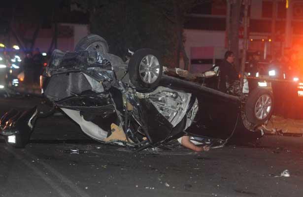 Fatal choque deja dos muertos y dos heridos en Azcapotzalco