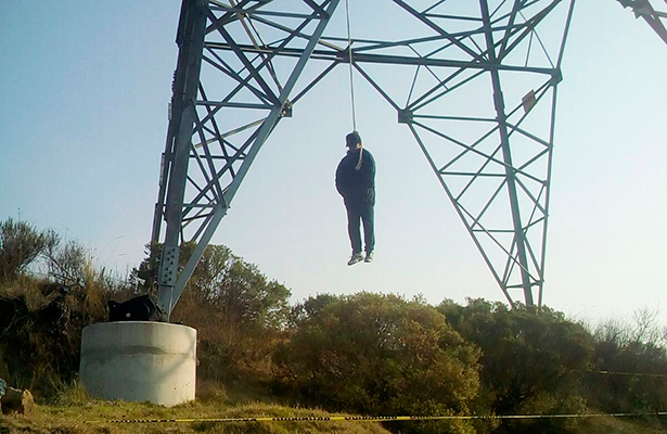 Se quitó la vida en torre de alta tensión