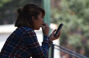 Jóvenes podría tener miopía por uso de dispositivos móviles
