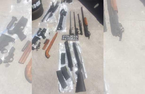 Detienen a sujeto con 10 armas y 12 mil cartuchos en Guanajuato