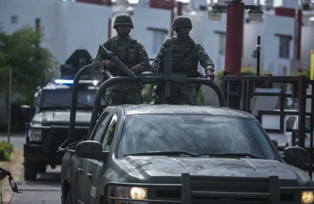 Incautan armas de uso exclusivo del ejército en Tamaulipas