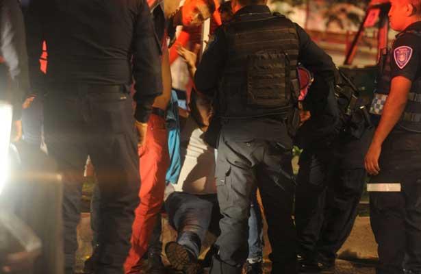 Apuñalan a polis por oponerse a un atraco en la Roma