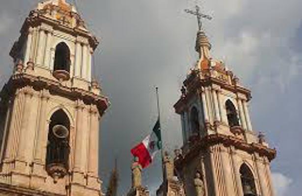 Vapulea Iglesia Católica políticas anticonceptivas para adolescentes