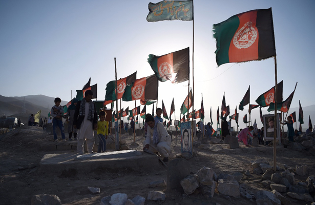 Talibanes matan a doctores y pacientes en hospital afgano