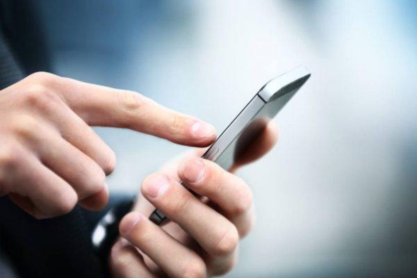 Costos de telefonía móvil bajaron 4.4%, según el IFT