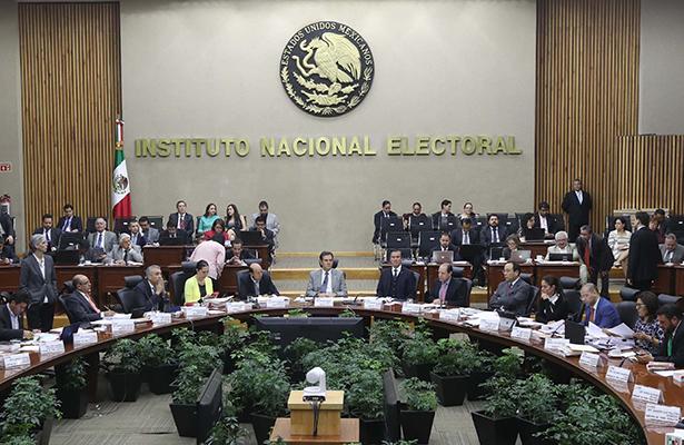 En la contienda a la gubernatura de Coahuila los dos candidatos punteros rebasaron el tope de gastos de campaña